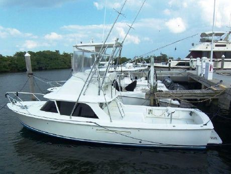 1982 Bertram 31 Flybridge Cruiser