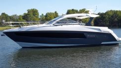 2016 Cruisers Yachts 390 Express Coupe