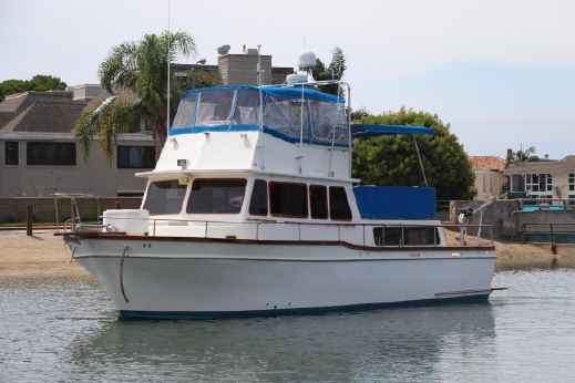 1977 Californian 38 Motor Yacht