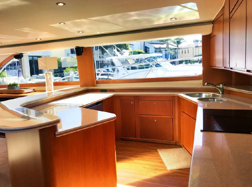 Donzi Z65 Sportfisher Galley Kitchen
