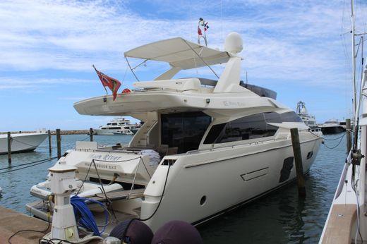 2012 Ferretti Yachts 720