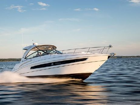 2016 Cruisers Yachts 38 Express