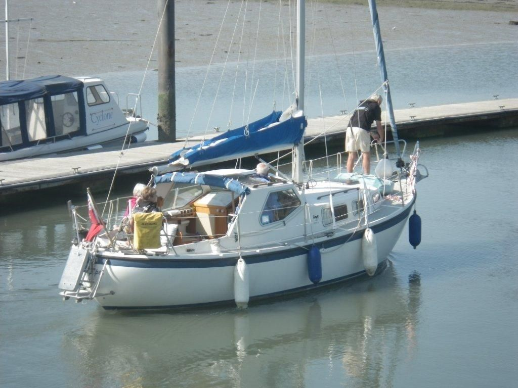 1986 Lm 27 Sail Boat For Sale