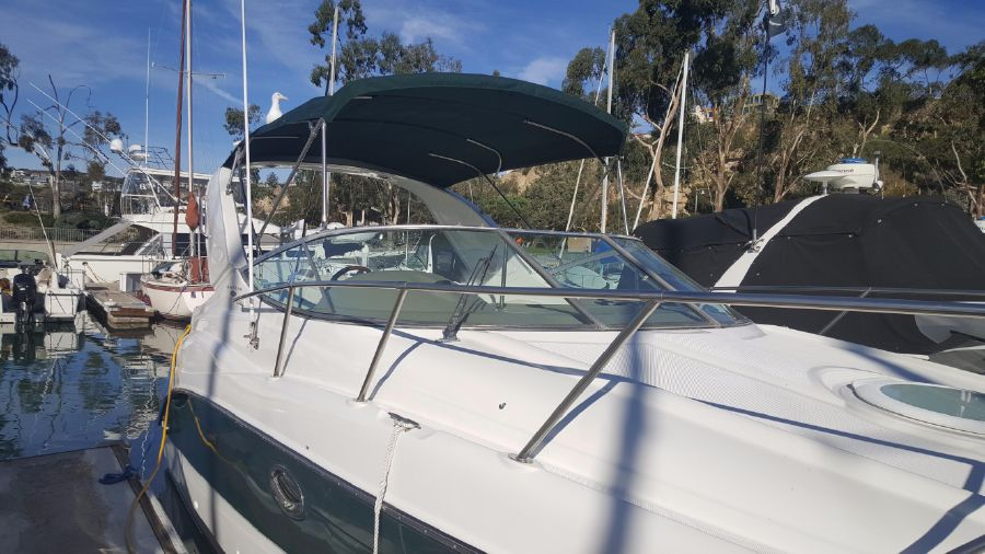 photo of 27' Maxum 2700