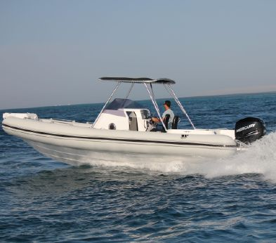 2016 Tiger Marine 850 Top Line Cabin
