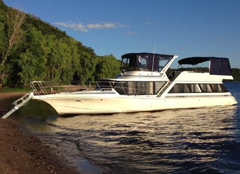 1990 Bluewater Yachts 55 Motor Yacht