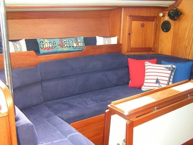 Freedom Yachts Interior Salon Sette