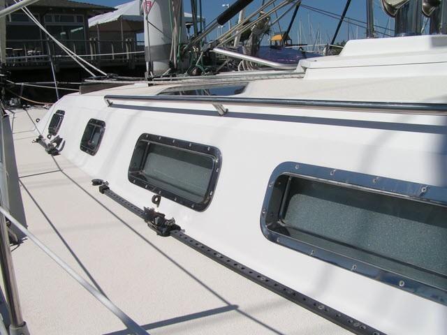Freedom Yachts 40-40