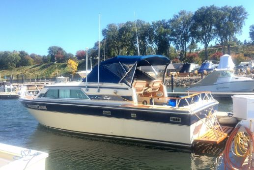 1983 Chris Craft 281 Catalina Express