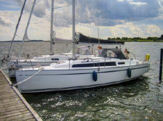 2014 Bavaria Cruiser 33