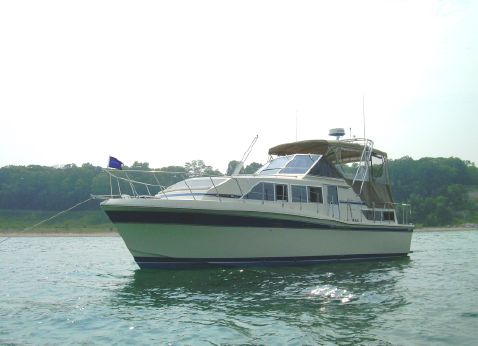 1984 Chris Craft 381 Catalina