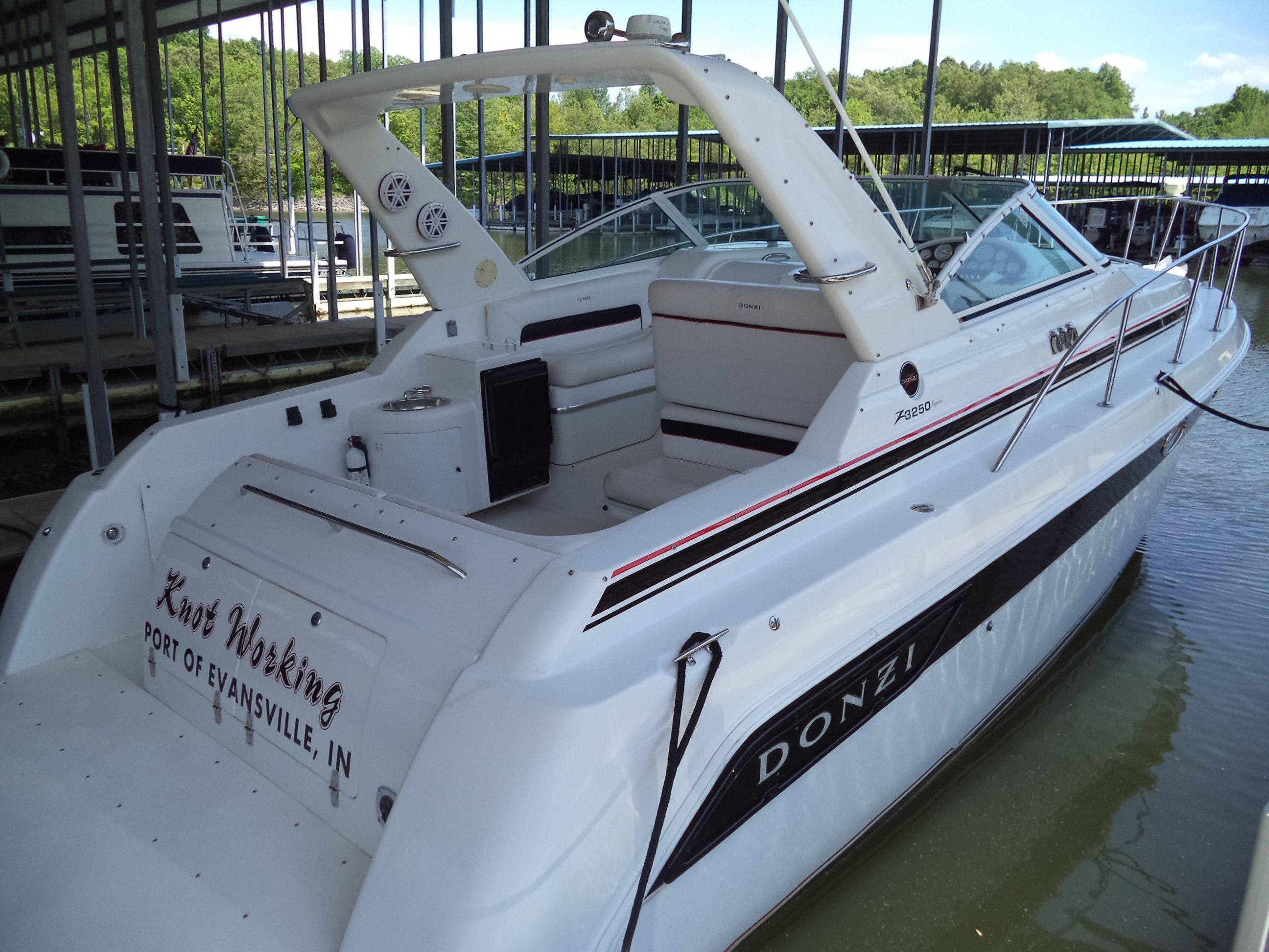 Eddyville (KY) United States  City pictures : 1999 Donzi 3250 LXC Power Boat For Sale www.yachtworld.com