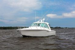 2015 Albemarle 360 Enclosed Express Fisherman