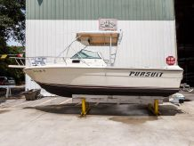1987 Pursuit 2200 Cuddy Cabin