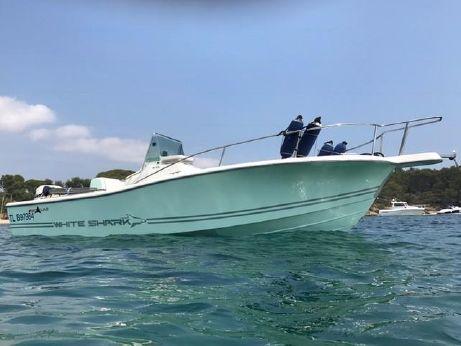 2003 White Shark 215