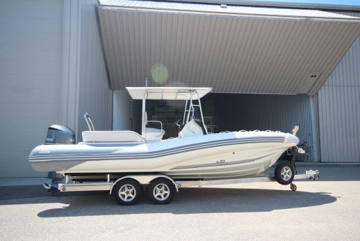 2017 Zodiac N-ZO 760 NEO 300hp DEC T-Top In Stock