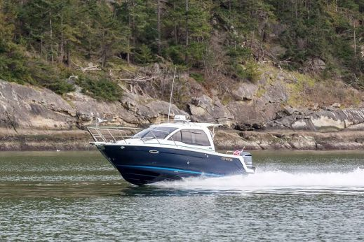 2018 Cutwater C-242 Coupe