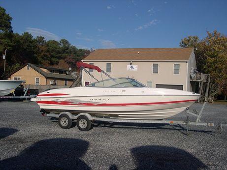 2006 Maxum 2200SR3 Sport Boat