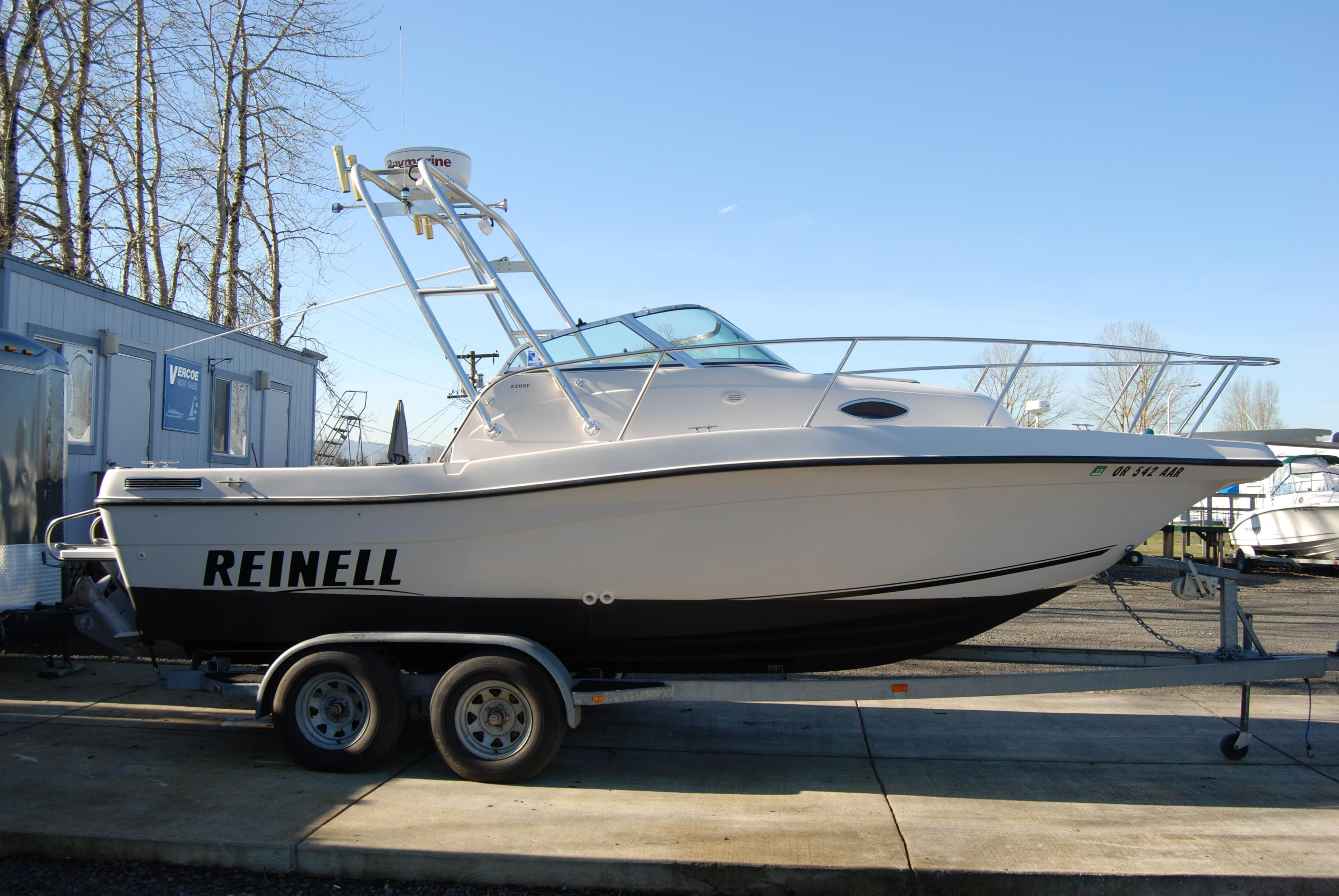 Pro Line Boats >> 2001 Reinell 220 SF Power Boat For Sale - www.yachtworld.com