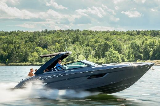 2018 Cruisers Sport Series 338 Bow Rider South Beach Edition