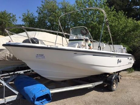 2002 Boston Whaler 180 Dauntless