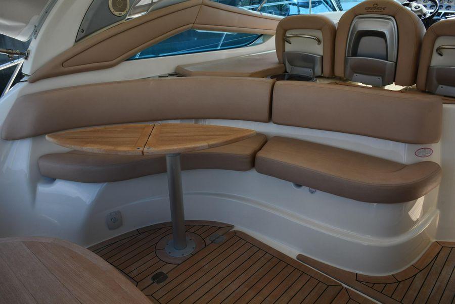 Cranchi 43 Mediterranee Cockpit Lounge Seating