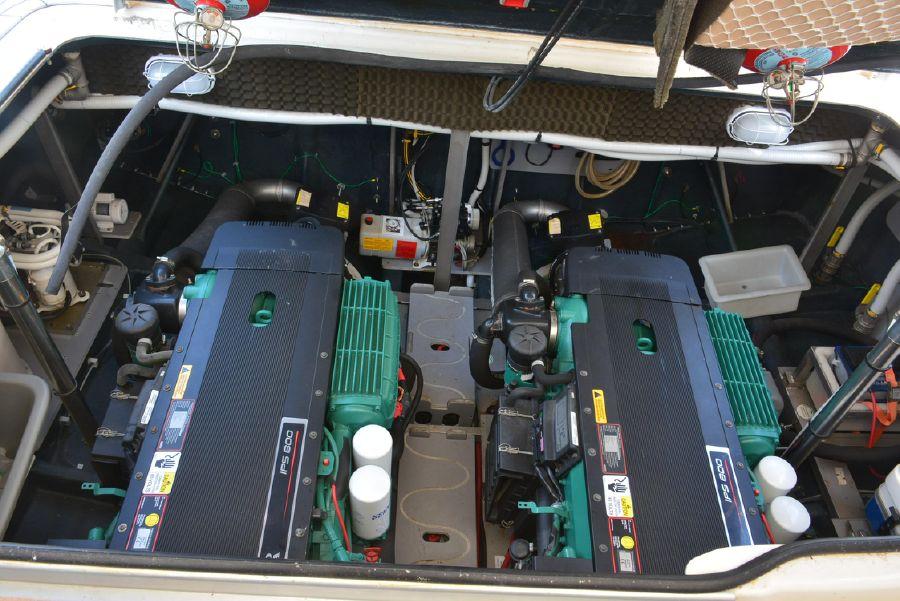Cranchi Mediterranee 43 Open Diesel Engines