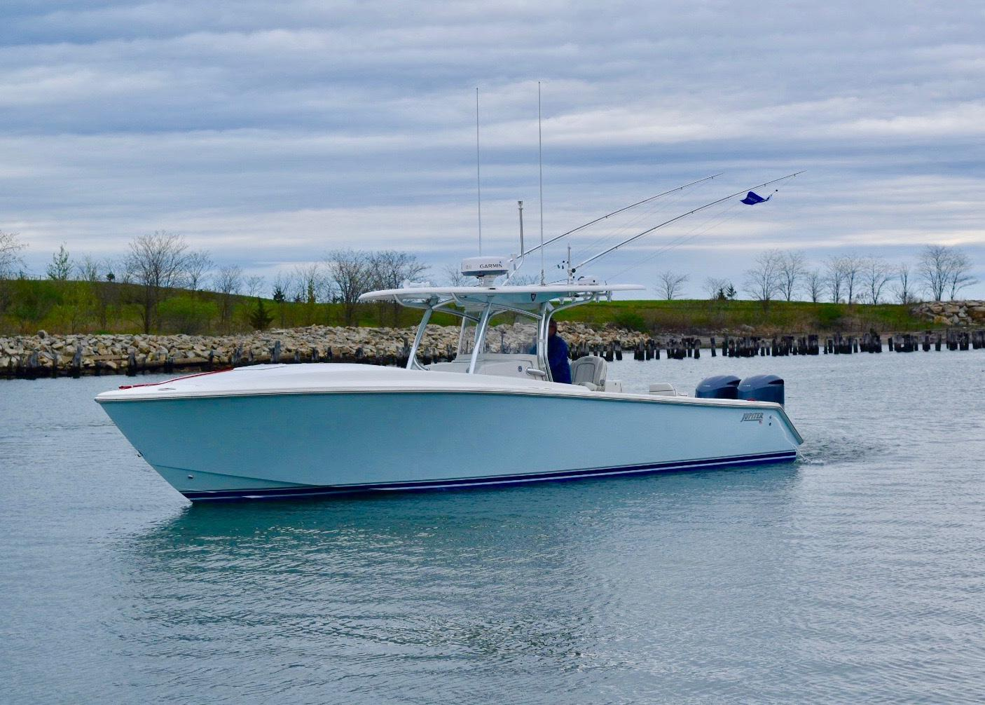 Yacht for Sale: 38' Jupiter Center Console Cuddy 2013