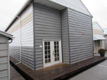 1980 Custom Boathouse