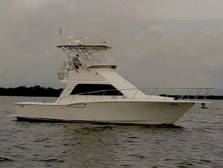 2005 Cabo Yachts 35 Flybridge Sportfisher