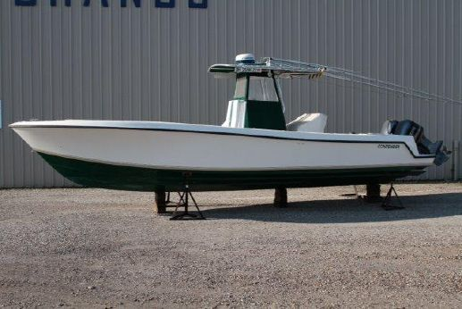 2000 Contender 31 Center Console