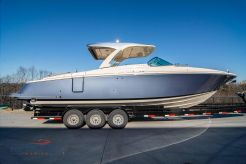 2020 Chris-Craft Launch 35 GT ME Stern Drive