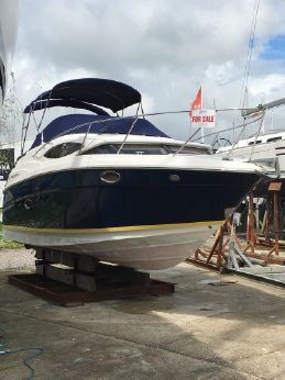 2007 Regal 2565 Express Cruiser