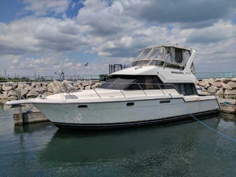 1993 Carver Yachts Voyager 370