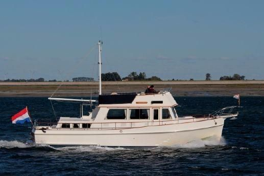 1989 Grand Banks 42 Classic