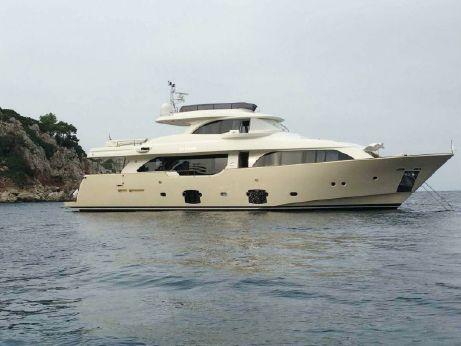2011 Ferretti Custom Line Navetta 26 Crescendo