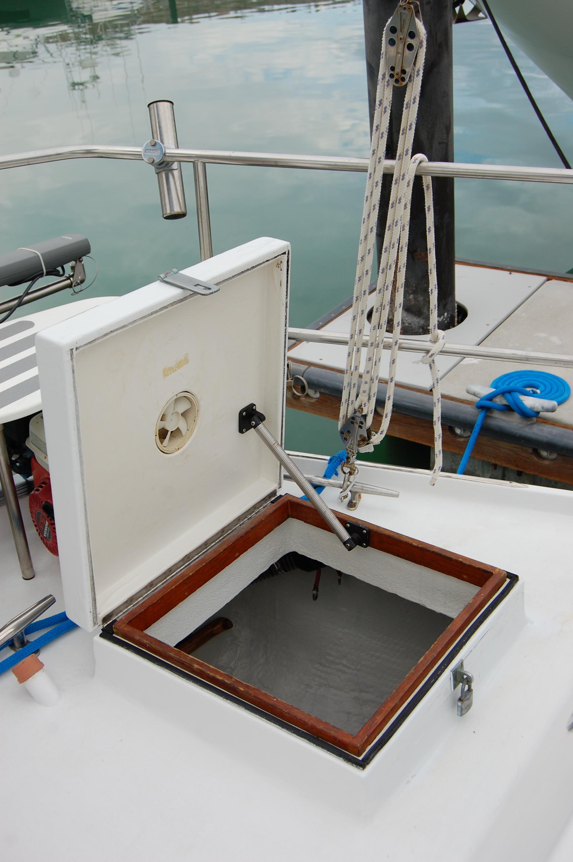 44' Custom C-Smoke Ferrocement Ketch+Port bunk bed