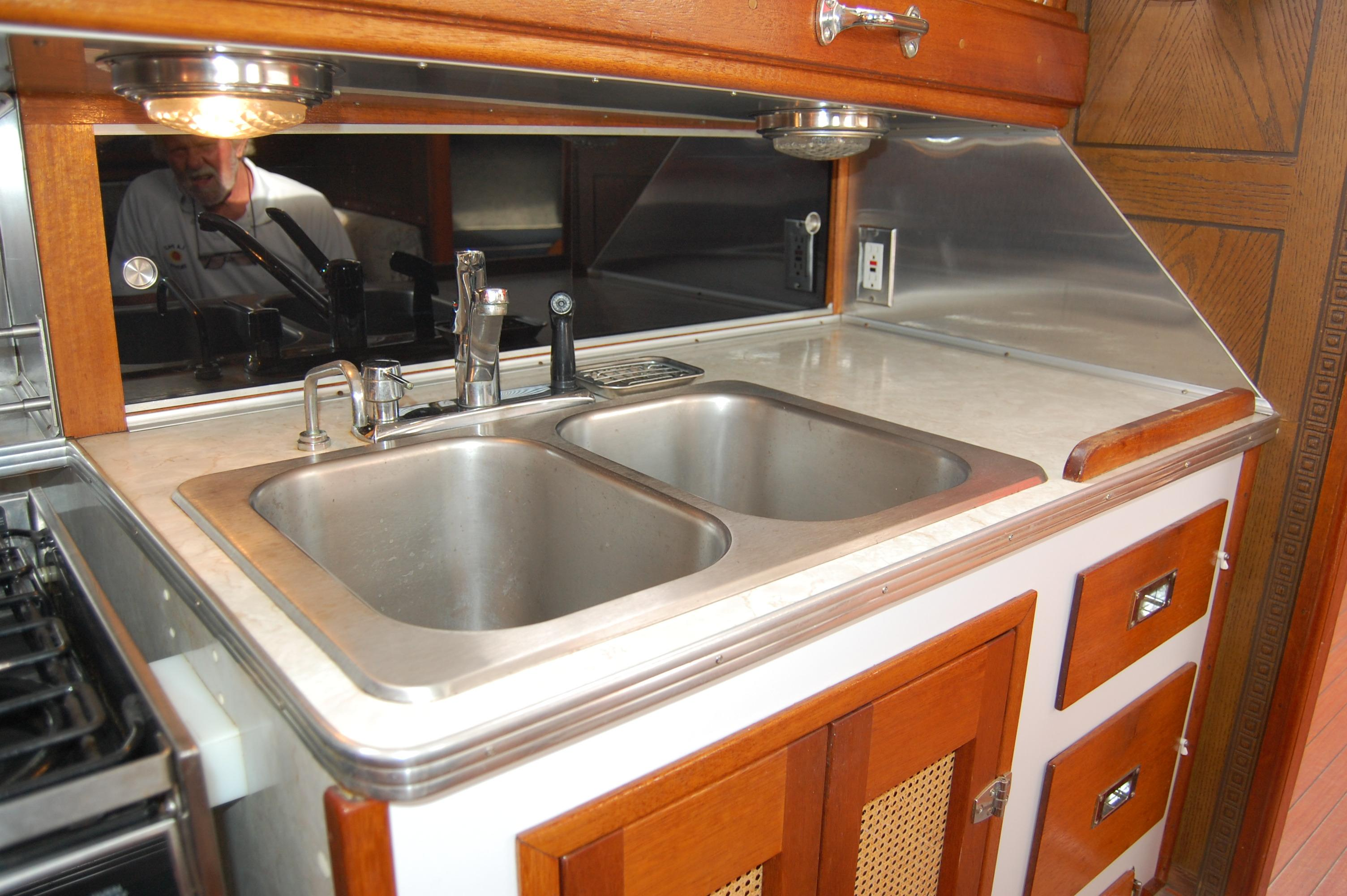 44' Custom C-Smoke Ferrocement Ketch+To fwd cabin