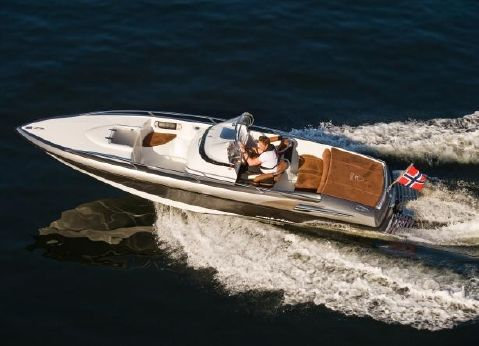 2011 Hydrolift S24 Platinum