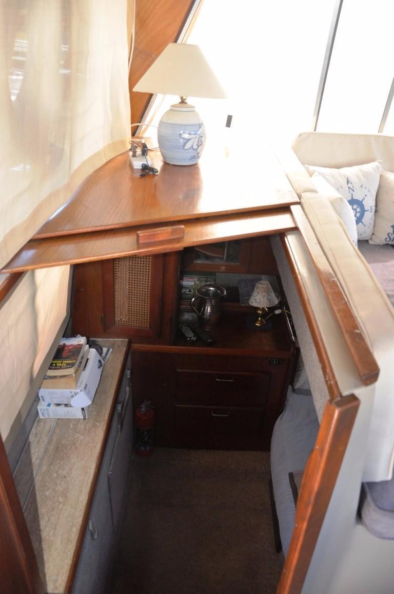 32' Bayliner Sedan+Aft Cabin