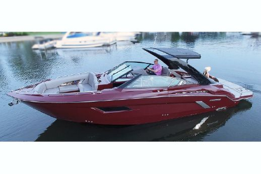 2018 Cruisers Sport Series 338 Bow Rider Palm Beach Edition