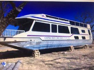 2000 Fun Country 56 Houseboat