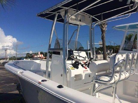 2016 Sea Hunt Triton 210