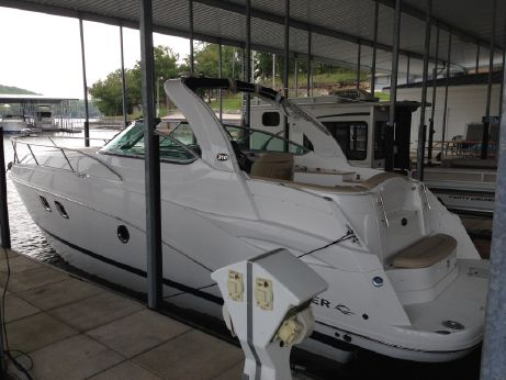 2013 Rinker 310 Express Cruiser