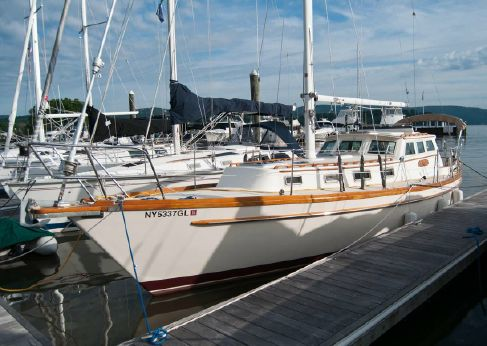 1981 Mariner Pilothouse Sloop