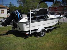 2005 Boston Whaler 170 Montauk CC