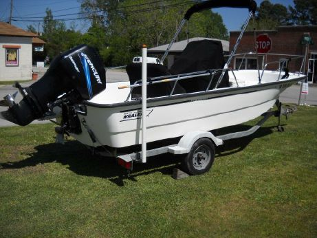 2005 Boston Whaler 170 Montauk CC