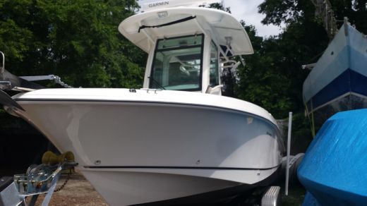 2009 Boston Whaler 250 Outrage