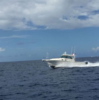 2013 Pursuit 385 Offshore