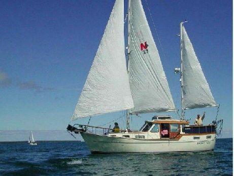 1984 Nauticat 33 Fin Keel